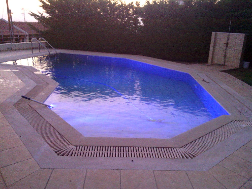sintirisi-pisinas-heaven-pools-4